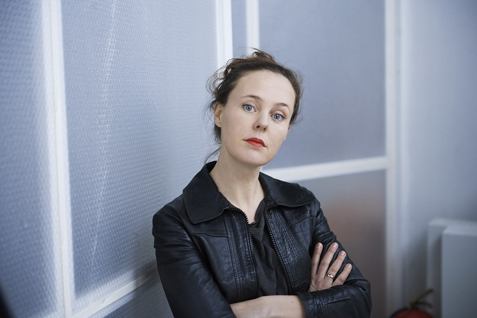 HOME - Zora Thiessen
